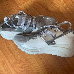 Steve Madden cliff tennis shoes
